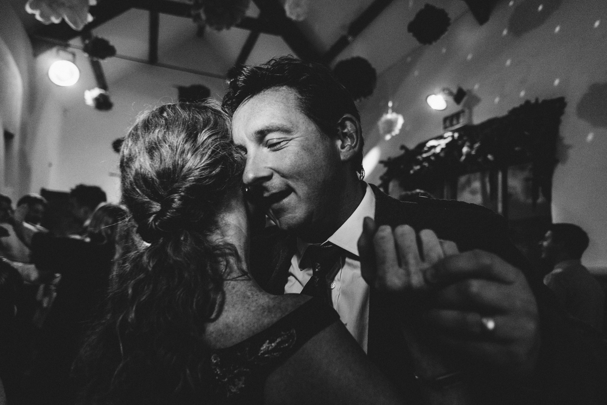 100-contemporary-documentary-london-wedding-photographer
