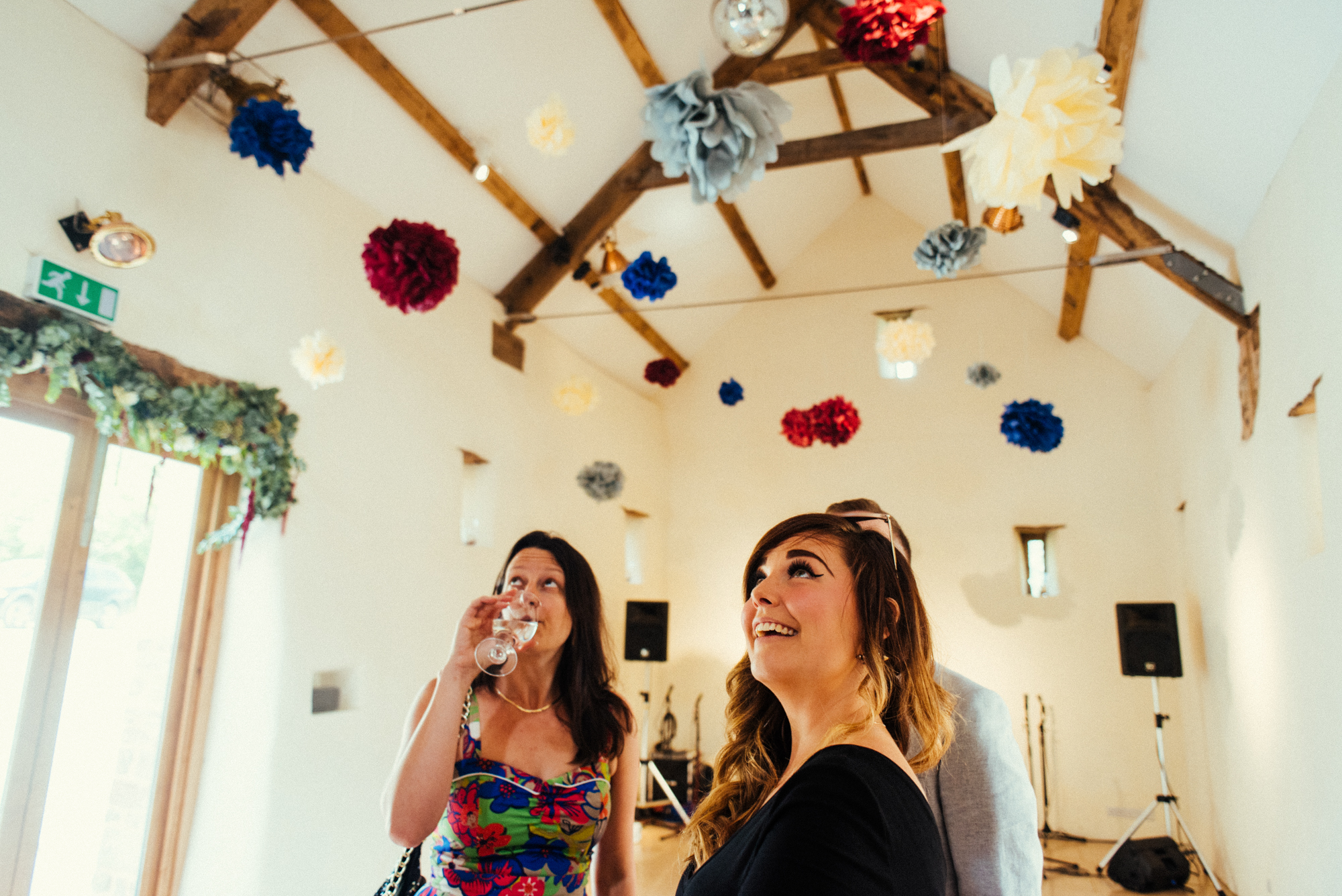 68-wedding-pom-pom-decorations